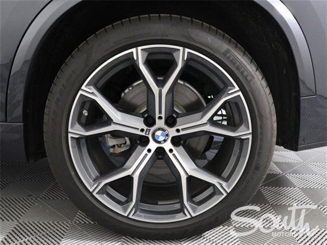 Pre-Owned 2019 BMW X5 M xDrive40i